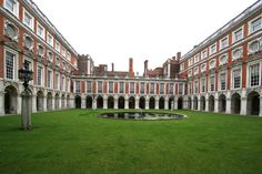 Hampton-Court-E - Hampton Court Palace - Wikipedia, the free encyclopedia