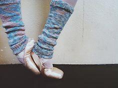 Ravelry free pattern simple stretchy sock yarn?