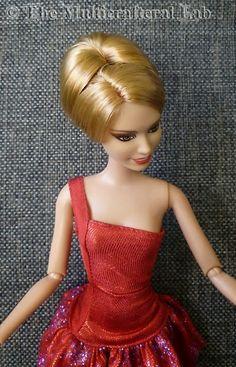 The Multicrafteral Lab: Big bun tutorial Sewing Barbie Clothes, Barbie Sewing Patterns, Barbie Dolls Diy, Crochet Doll Clothes, Barbie Dress, Ooak Dolls, Barbie Doll Hairstyles, Girl Hairstyles, Doll Hair Repair
