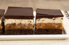 Caramel Crunch Brownies ~ http://www.bakeorbreak.com