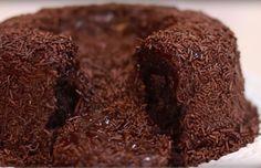 29 receitas de bolo vulcão para encher os olhos e curar qualquer TPM