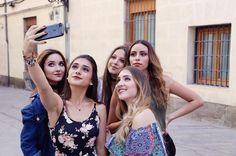 Selfie Ideas, Ideas Para, Crushes, Celebs, Tumblr, Disney, Female Power, Musica, Cute Pets