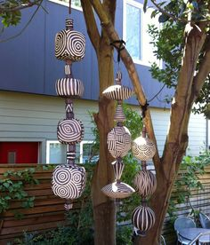 Wonderful No Cost big Ceramics projects Thoughts Big Beads Installation Slab Pottery, Ceramic Pottery, Ceramic Art, Thrown Pottery, Ceramic Bowls, Garden Totems, Garden Art, Indoor Garden, Sculptures Céramiques