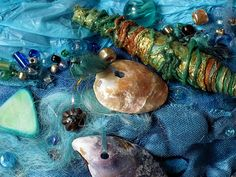 Fabulous fiber art by Carolyn Saxby Fabric Beads, Fabric Art, Fabric Crafts, Textile Fiber Art, Textile Artists, Carolyn Saxby, Sea Life Art, A Level Art, Arts Ed
