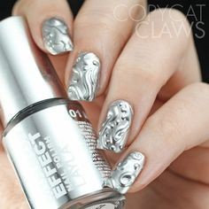 Metallic shades can look good in combo with any other shade so there are many possible designs to choose from. Go for some interesting pattern, like stripes, polka dots, geometric etc. Metallic shades such as gold, silver, bronze and copper will be quite popular this year, so you should definitely choose to do your nails … Continue reading Top 40 Gorgeous Metallic Nail Designs That You Can Try To Copy