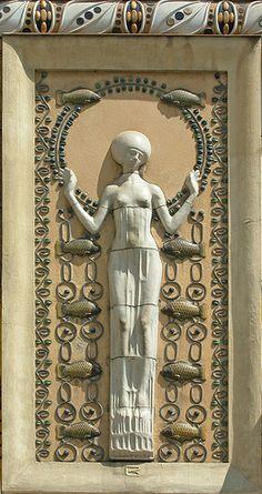 Décor d'une facade art nouveau (Prague), composition en faïence du sculpteur Richard Luksch (1910)  jdalbera.free.fr/prague/art_nouveau/art_nouveau_ville_nou...