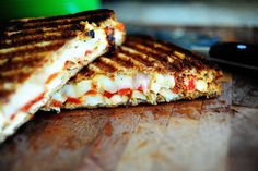 Im going to buy a panini maker after seeing this. Grilled Chicken and Roasted red pepper Panini meals-i-want-to-try Chicken Panini, Grilled Chicken, Chicken Bacon, Pepper Chicken, Grilled Zucchini, Pesto Chicken, Creamy Chicken, Chicken Salad, Pasta Salad