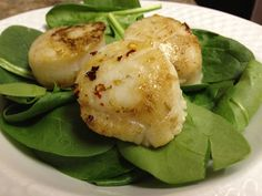 #Paleo Spicy Scallops on Spinach | virginia is for hunter-gatherers