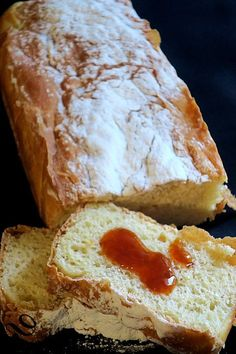 Pain-gâteau pour le petit-déjeuner Bread cake for breakfast, to feast on, just with a little jam – bread on the board …. or feed your tribe Breakfast Bread Recipes, Breakfast Cake, Bread Cake, Dessert Bread, Sweet Recipes, Cake Recipes, Bread Dough Recipe, Soda Bread, Low Carb Recipes