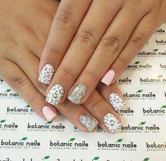 Pink and grey prints Botanic Nails, Professional Nails, Nail Care, Nail Art Designs, Crystals, Diamond, Prints, Instagram Posts, Beauty