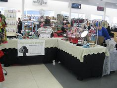 1000 images about craft shows and retail displays on for Elf shelf craft show
