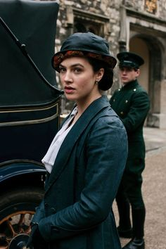 Jessica Brown Findlay Interview: Downton Abbey & Albatross (Vogue.co.uk)