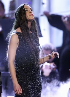 Alanis Morisette   29 Things You May Have Forgotten About The 1999 GrammyAwards