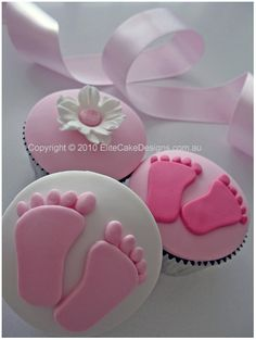 babyshower cupcakes-cakes
