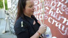 Seinäjoen Käsityömessut 2014 kuvasi videon minusta tekstaamassa seinille