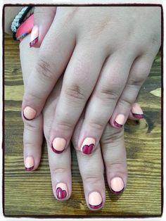 Decoración corazones Shellac. nails desing shellac hearts decoration.
