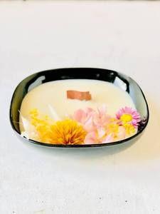 emiliemoon.com bougies sensorielles fleuries,cristaux,décoration. Covent Garden, Decoration, Decorating Candles, Dried Flowers, Crystals, Bijoux, Decor, Deko, Embellishments
