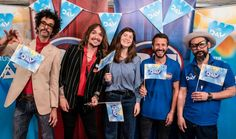 From Kerrang! Lowestoft glam-rockers The Darkness and Britrock staples Feeder are going head to head in an upcoming episode of Bargain Hunt. As part of BBC Music Day on September The Darkness' … Justin Hawkins, Bargain Hunt, Shape Pictures, Rare Vinyl Records, Autograph Books, Antique Fairs, Face Off, Rockers, Looking Stunning