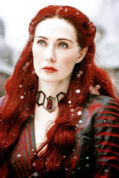 Game of Thrones Melisandre The Red Priestress (Carice Van Houten) Hottest Game Of Thrones, Game Of Thrones 5, Game Of Thrones Costumes, A Dance With Dragons, Mother Of Dragons, Valar Morghulis, Mejores Series Tv, I Love Cinema, Winter Is Here