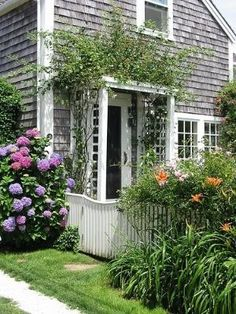 Sconset Cottage by gwendolyn