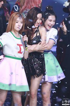Red Velvet Flavor, Red Velvet Joy, Super Junior, Kpop Girl Groups, Kpop Girls, Shinee, Redvelvet Kpop, Kim Hyoyeon, Kwon Yuri