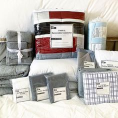 Get move-in ready with just one order and set your dorm room up for the semester with the Complete Campus Collection. 🛏🛋🛁@emilysarmo is a mom of 5 and she's spreading the #OCM word to her friends! If you have a son or daughter, grandson or granddaughter (or if you're the student on your way to dorm life!) heading to college this fall, you will want to check out our styles!   #ocmcollegelife #goodmorning #behappybebrightbeyou #suri #friday #weekendvibes #collegenights #collegedays