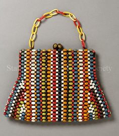 Image of Purse: front view - - Image of Purse: front view Vintage Purses and Bags Image of Purse: front view Vintage Purses, Vintage Bags, Vintage Handbags, Beaded Clutch, Beaded Bags, My Bags, Purses And Bags, Ideias Diy, Diy Purse