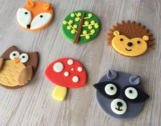 Cute set of woodland animals themed fondant cupcake toppers are perfect for kids birthday parties, play dates, or just have a good time! The set includes Fox, Hedgehog, Owl, Skunk, Mushroom and Tree. You can order the same style, or mix of match. Each order is for a dozen (12) toppers.