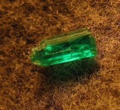 0.60ct Superb Colombia Emerald Crystal Facet  Rough NEW 2015 Supply for Sale BN