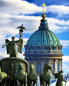 "Ambasciatore Regno Due Sicilie no Instagram: ""San Petersburgo…"" Saint Petersburg, Taj Mahal, Saints, Building, Travel, Instagram, Viajes, Buildings, Destinations"