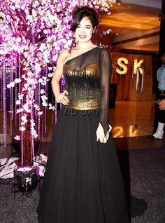 Yuvika Chaudhary at Kishwer Merchantt and Suyyash Rai's wedding reception. #Bollywood #Fashion #Style #Beauty #Hot #Sexy