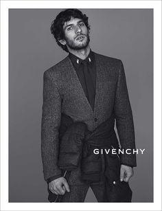 El actor español Quim Gutiérrrez en la campaña Fall/Winter 2013-2014 de Givenchy