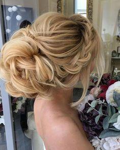 Long Wedding Hairstyles from Elstile / http://www.himisspuff.com/long-wedding-hairstyles-from-elstile/5/
