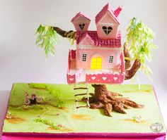 Gravity Defying Tree House Cake (Pretty Pink for Yasmine Collaboration) - Cake by CakesbySasi Gravity Defying Cake, Gravity Cake, Cookie House, House Cake, Building Cake, Cake Frame, Christmas Gingerbread, Gingerbread Houses, Cupcakes