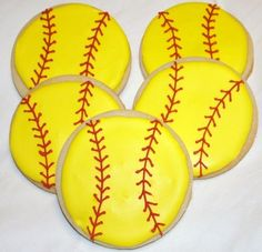 Softball Cookies-Gonna attempt these for my daughter's softball party. Softball Birthday Parties, Softball Party, Baseball Party, Girls Softball, Softball Stuff, Softball Cookies, Softball Treats, Softball Cupcakes, Softball Tournaments