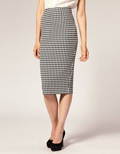 houndstooth pencil skirt, I might really need this!