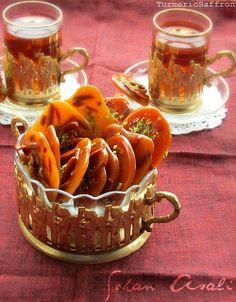 Turmeric and Saffron: Sohan Asali - Persian Honey and Saffron Almond Candy ~ The best comfort food!