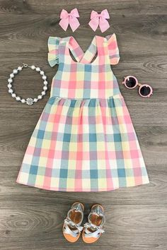This vintage plaid halter dress is absolutely stunning! Little Girl Skirts, Little Girl Dresses, Girls Dresses, Baby Dresses, Cute Outfits For Kids, Cute Kids, Kids Dress Wear, Moda Kids, Baby Girl Dress Patterns