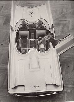 Lincoln Futura Show Car, 1956, this is the show car that they turned into the Batmobile !