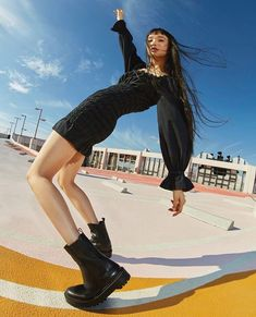 Pull & Bear, Portrait Photography, Fashion Photography, Estilo Grunge, Fitness Inspiration Body, Vogue, Chunky Boots, Cute Japanese, New Beginnings