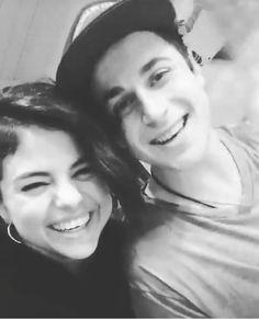 Selena Gomez / David