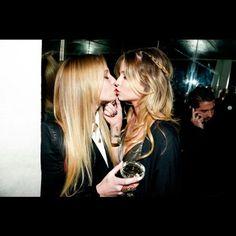 #mulpix #les #lesbian #lesbians #lesbiancouple #lesbiansofinstagram #cute #couple #kiss #kissing #love #loveislove #lgbt #lgbtpride #trans #teens #tumblr #tumblrpost #gay #gayisokay #girl #girls #girlskissing #girlswhokissgirls #girlswholovegirls #bi #bisexual #want #germanlesbian #deutschelesben