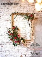 DIY Wedding Decorations - beautiful flower embellished golden frame would be perfect als wedding backdrop Hochzeits Schönheit Bridal Shower Pictures, Shower Pics, Wedding Pictures, Chic Bridal Showers, Wedding Picture Frames, Diy Photo Booth, Photo Booths, Valentines Day Weddings, Deco Floral