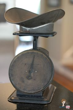 Love it! Vintage kitchen scale