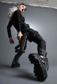 未来、未来、サイバーパンク、都会的なスタイル、将来女の子、銃を持つ少女、黒、未来戦士の女の子、武器、少女戦士、サイバーパンク少女、 by Riko_Kagaya