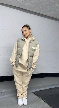 Baddie Outfits Casual, Chill Outfits, Cute Swag Outfits, Cute Comfy Outfits, Trendy Outfits, Tomboy Fashion, Look Fashion, Streetwear Fashion, Mode Ootd