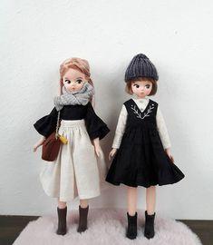 힘든 하루 마무리는 역시 인놀이쥥👍 . . . . . . . . . . . . 내일은 더 열심히 살자잉🤦♀️💪💪💪 #jjororiart #jjororiartdoll #koreadoll #dollstargram #dollphoto… Pet Clothes, Doll Clothes, Barbie Gowns, Flower Embroidery Designs, Tiny Dolls, Child Doll, Pretty Dolls, Doll Toys, Fashion Dolls