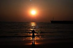 Things to do in #Goa: Capturing silhouette like snaps at beach. You'd love it.