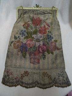 Gorgeous Antique Micro Beaded Handbag Purse Jeweled Frame Floral Scene NICE!! picclick.com Vintage Purses, Vintage Bags, Vintage Handbags, Beaded Purses, Beaded Bags, Handbags On Sale, Purses And Handbags, Silver Purses, Best Purses