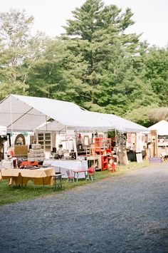 Flea Market Tip: Ask for Help! The people that generally know the most about the show...are the vendors themselves!   View entire slideshow: Stress Free Guide to Flea Markets on http://www.stylemepretty.com/collection/584/  #flea-market #antiques #shopping  Photography: Ruth Eileen - rutheileenphotography.com
